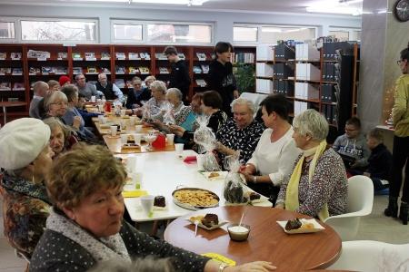 Wolontariat dzieci i młodzieży SP2 na rzecz Seniorów