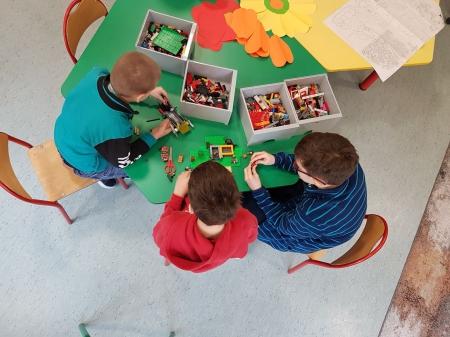 Prace z klocków LEGO